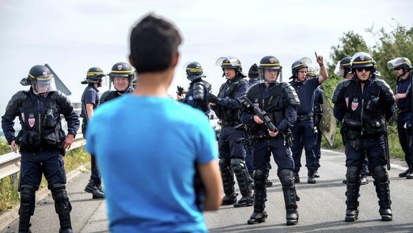 Calais migrant crisis - Sputnik International