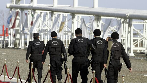Turkish security special forces patrol at the pumping station in the village of Durusu, near the northern Turkish city of Samsun, Thursday, Nov. 17, 2005, hours before the inauguration ceremony of the Blue Stream pipeline. (File) - Sputnik International
