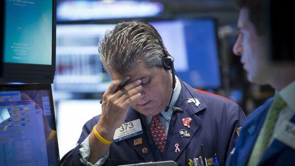 Traders work on the floor of the New York Stock Exchange August 24, 2015 - Sputnik International