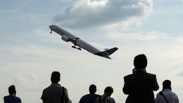 Airbus A350 during MAKS-2015 - Sputnik International