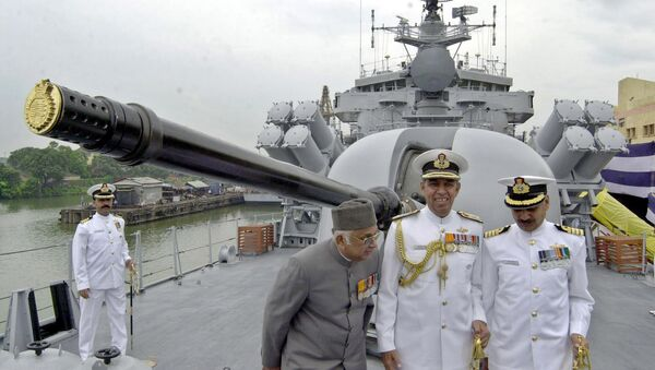 India Navy officers stand on the deck of INS Betwa in Calcutta, India, in July 2004. - Sputnik International