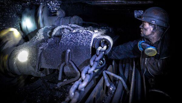 Knights of the Underground: Donbass Celebrates Coal Miners Day - Sputnik International