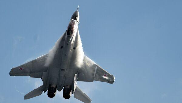 MiG-35 fighter jet performs during Russian MAKS-2015 air show - Sputnik International