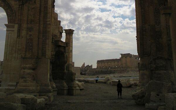 Temple of Bel through the Monumental Arch - Sputnik International
