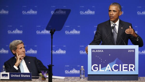 U.S. President Barack Obama is flanked by Secretary of State John Kerry as he delivers remarks to the GLACIER Conference at the Dena'ina Civic and Convention Center in Anchorage, Alaska August 31, 2015 - Sputnik International