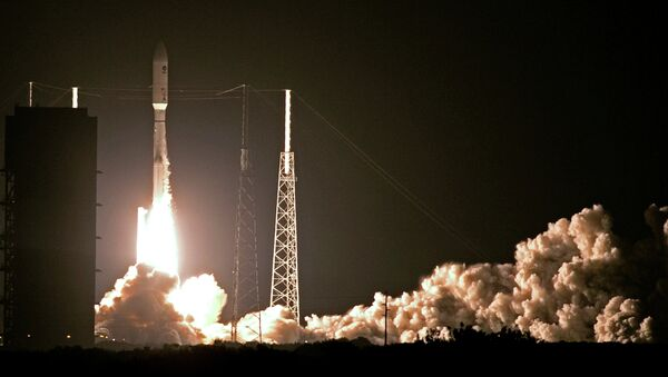 A United Launch Alliance Atlas V rocket lifts off from Complex 41 at the Cape Canaveral Air Force Station, Wednesday, Sept. 2, 2015, in Cape Canaveral, Fla. - Sputnik International