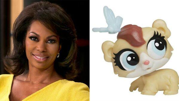 Fox News anchor Harris Faulkner (left) and Hasbro-manufactured toy Harris Faulkner - Sputnik International