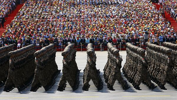 Soldiers of China's People's Liberation Army (PLA) march during the military parade to mark the 70th anniversary of the end of World War Two, in Beijing, China, September 3, 2015 - Sputnik International