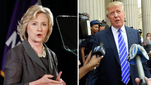 This combination of file photos shows Democratic presidential candidate Hillary Clinton(R) speaking at New York University in New York on July 24, 2015 and US Republican presidential candidate Donald Trump exiting the New York Supreme Court after morning jury duty on August 17, 2015 in New York - Sputnik International