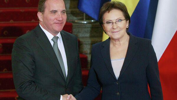 Swedish Prime Minister Stefan Lofven, left, shakes hand with his Polish counterpart Ewa Kopacz in Kopacz's office in Warsaw, Poland, Monday, March 16, 2015. - Sputnik International