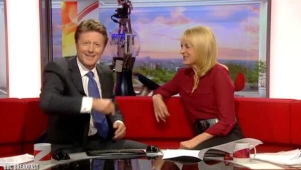 BBC Anchors Charlie Stayt and Louise Minchin - Sputnik International