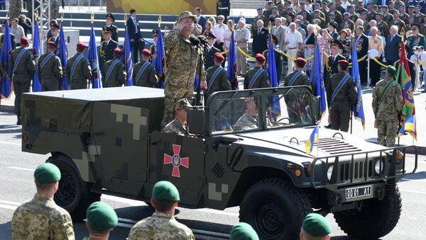 Ukrainian Defense Minister Stepan Poltorak during a march on Independence Day in Kiev - Sputnik International