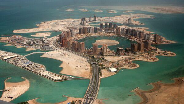 An aerial view shows the pearl Qatar project in Doha, Qatar, Thursday, April 8, 2010 - Sputnik International