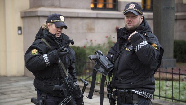 Armed police officers are seen outside the Nobel institute in Oslo - Sputnik International
