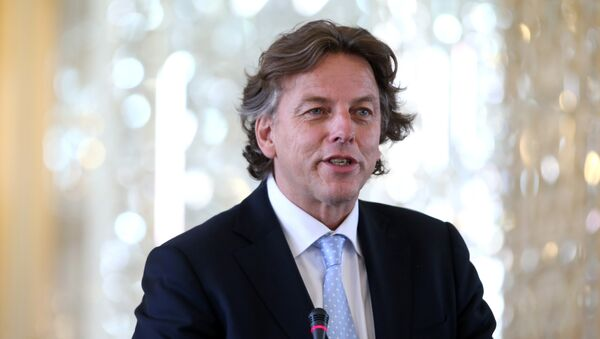 Dutch Foreign Minister Bert Koenders speaks during a press conference with his Iranian counterpart Mohammad Javad Zarif, in Tehran, Iran, Sunday, Sept. 20, 2015 - Sputnik International