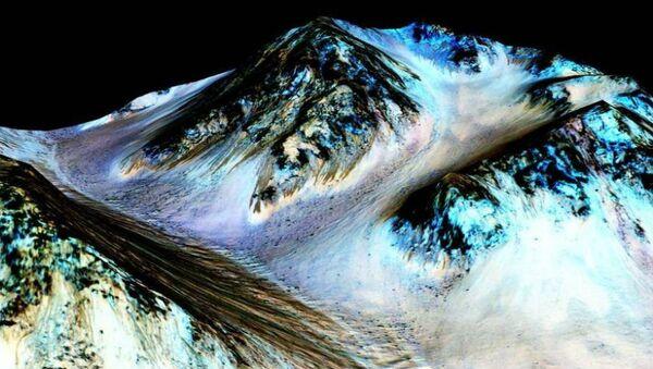 Water flows on Mars - Sputnik International