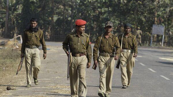 Assam state police personnel patrol - Sputnik International