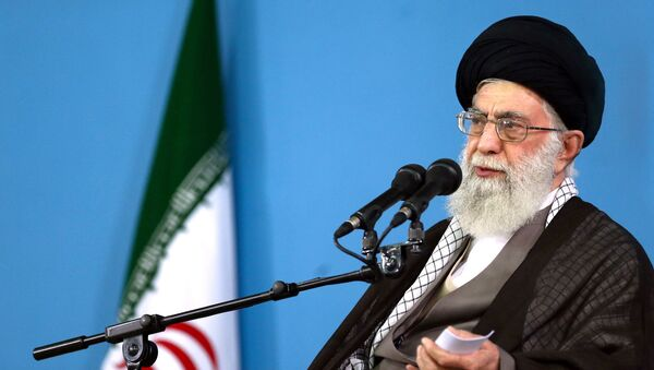 In this picture released by the official website of the office of the Iranian supreme leader, Supreme Leader Ayatollah Ali Khamenei delivers a speech during a meeting in Tehran, Wednesday, Sept. 9, 2015 - Sputnik International