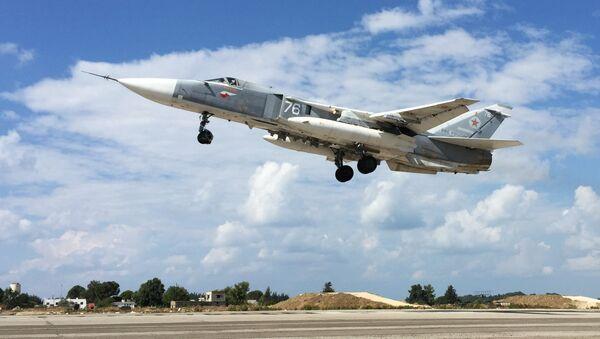 Russian military aircraft at Syria's Hmeimim airfield - Sputnik International