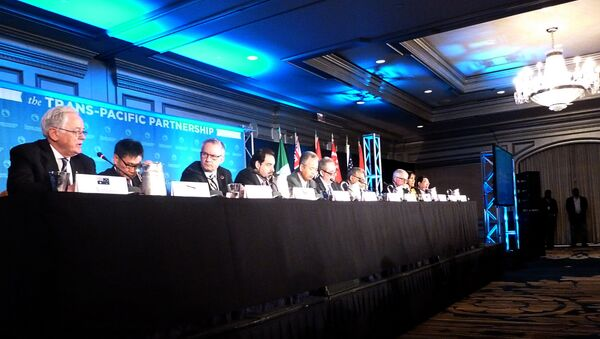 Delegates attending the Trans-Pacific Partnership(TPP) talks hold a press conference )ctober 5, 2012 in Atlanta, Georgia - Sputnik International