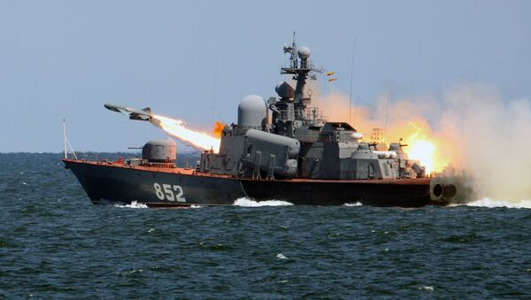 A Termit anti-ship cruise missile launched from the missile boat R-123 - Sputnik International