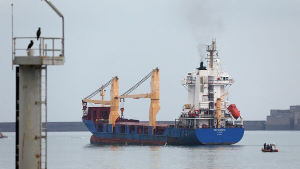 The BBC Shanghai cargo ship leaves the habour on October 15, 2015 in Cherbourg-Octeville. The vessel, whose security has been questioned, delivers nuclear waste back to Australia after its reprocessing in France - Sputnik International