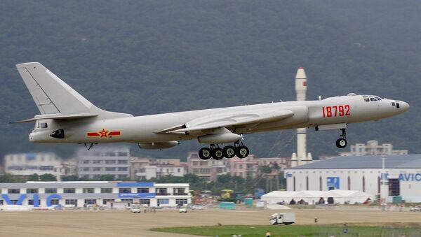 Beijing's H-6K bomber - Sputnik International