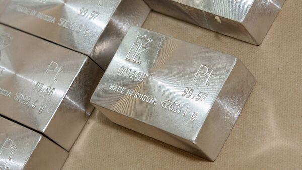 Platinum bar - finished produce of the Krastsvetmet non-ferrous metal plant, one of the world leaders of precious metal industry, based in Krasnoyarsk, Siberia - Sputnik International