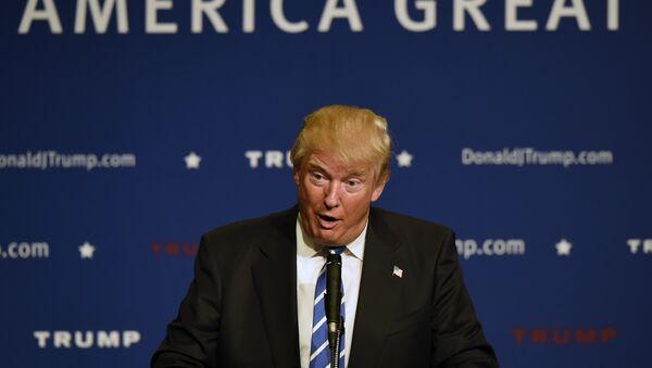 Republican presidential candidate Donald Trump speaks at an event. - Sputnik International