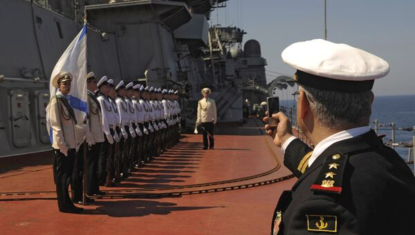 Russia's Pyotr Veliky missile cruiser makes port call in Tartus, Syria - Sputnik International