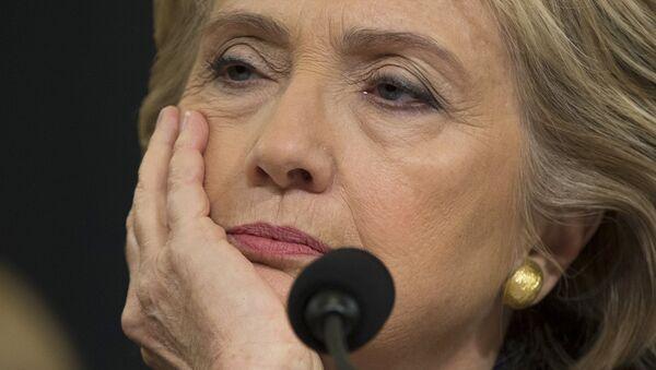 Democratic presidential candidate, former Secretary of State Hillary Rodham Clinton listens while testifying on Capitol Hill in Washington. - Sputnik International