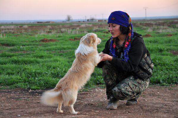 Amazons of the Middle East: Kurdish Women Fighting Against ISIL - Sputnik International