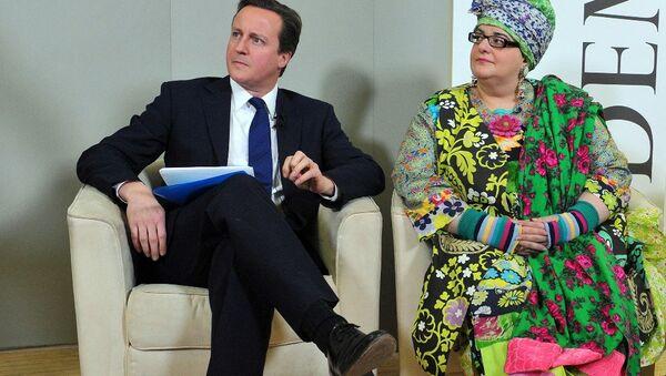 David Cameron and Camila Batmanghelidjh - Sputnik International