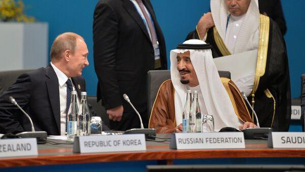 Russian President Vladimir Putin and Saudi King Salman bin Abdulaziz al-Saud (file) - Sputnik International