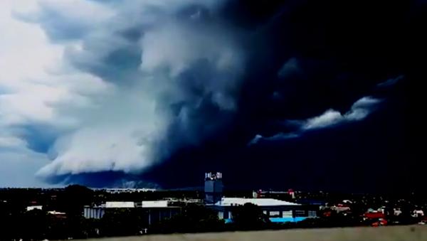 Amazing Shelf Cloud Roll Over Sydney's Bondi Beach - Sputnik International