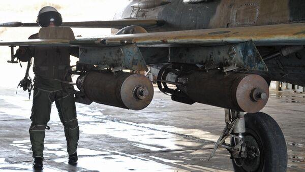 Syrian air bombs at the Hama airbase near the city of Hama, Syria's Hama Province. - Sputnik International