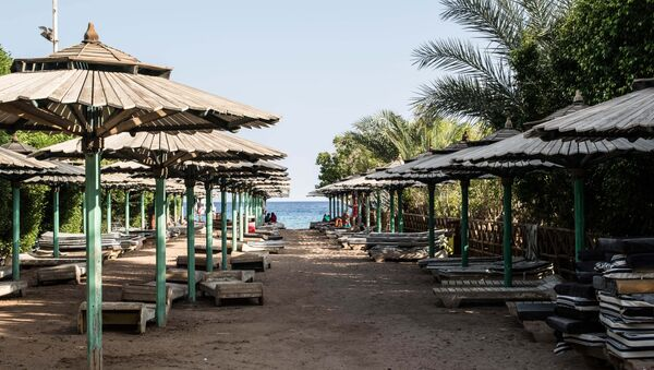 An empty public beach is seen in Namaa Bay, Sharm el-Sheikh. - Sputnik International