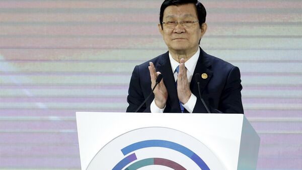 Vietnam's President Truong Tan Sang applauds during the Asia-Pacific Economic Cooperation (APEC) CEO summit in the capital city of Manila, Philippines November 17, 2015 - Sputnik International