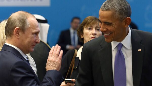 U.S. President Barack Obama (R) chats with Russia's President Vladimir Putin prior to a working session at the Group of 20 (G20) leaders summit in the Mediterranean resort city of Antalya, Turkey, November 16, 2015 - Sputnik International