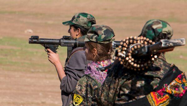 Kurdish female fighters - Sputnik International