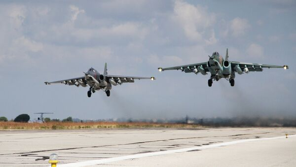 Russian Su-25 close air support aircraft taking off from the Hmeymim airbase in Syria. - Sputnik International