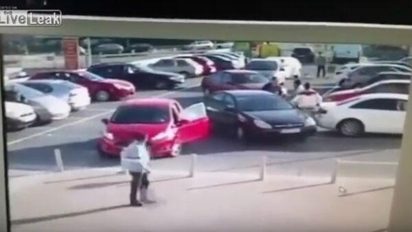 Car Park Rage With An Unexpected Finish - Sputnik International