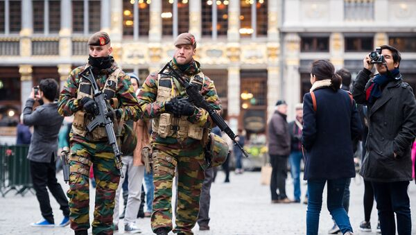 Belgian Army soldiers patrol in the picturesque Grand Place in the center of Brussels on Friday, Nov. 20, 2015. - Sputnik International