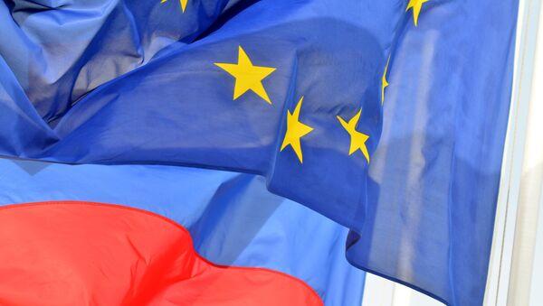 Flags of Russia and EU  - Sputnik International