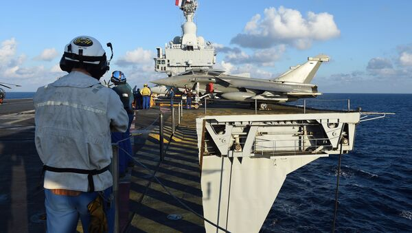 Gallic Might: Charles de Gaulle Aircraft Carrier Deployed Against ISIL - Sputnik International