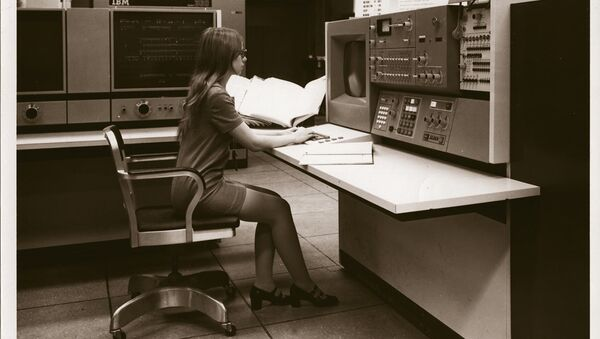 An NSA supercomputer in the 1970s (file photo) - Sputnik International
