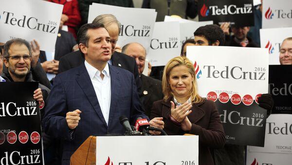 Republican presidential candidate Sen. Ted Cruz, R-Texas, with his wife Heidi. - Sputnik International