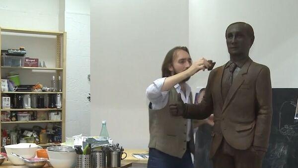 Russia: Feast your eyes on this life-size CHOCOLATE Putin - Sputnik International