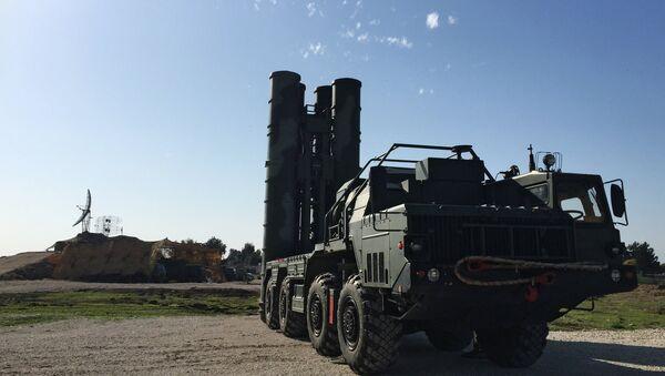Russia's S-400 Triumf missile defense systems - Sputnik International