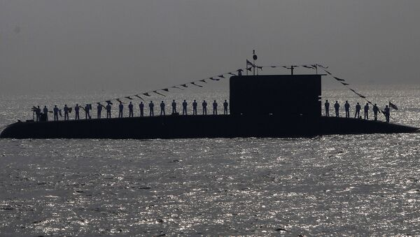 Indian Navy personnel stand on a submarine during the Presidents Fleet Review (PFR) in the Arabian Sea off the coast of Mumbai, India. (File) - Sputnik International